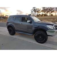 HOLDEN TRAILBLAZER FENDER FLARES & COLORADO 7 WITH BULL BAR